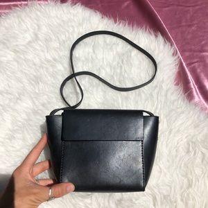 COS Leather Crossbody Black Bag 🌴